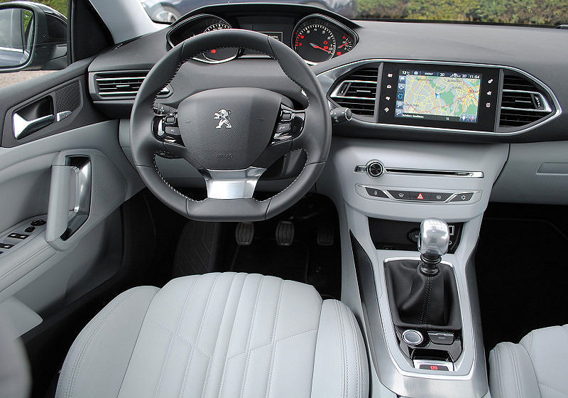 Peugeot 308 SW 02