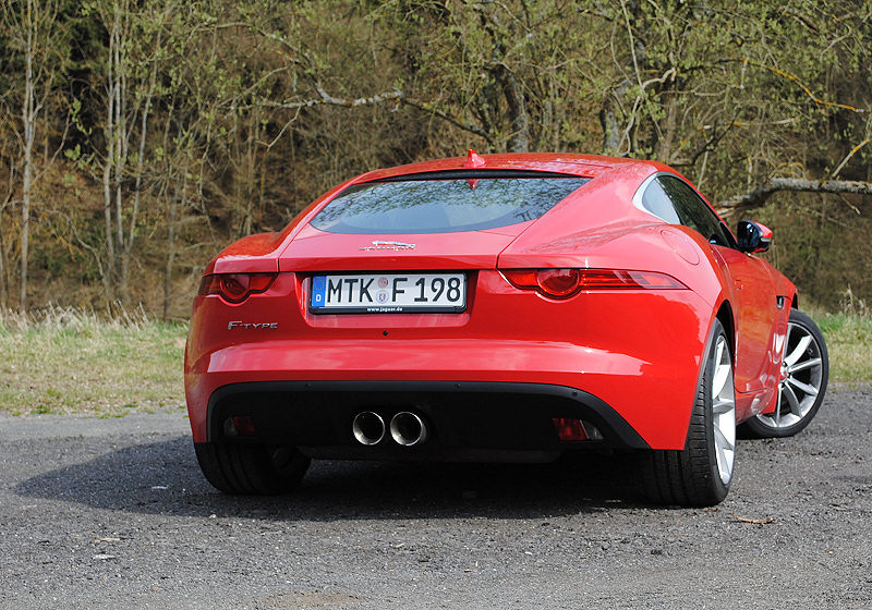 Jaguar F-Type Coupé 02