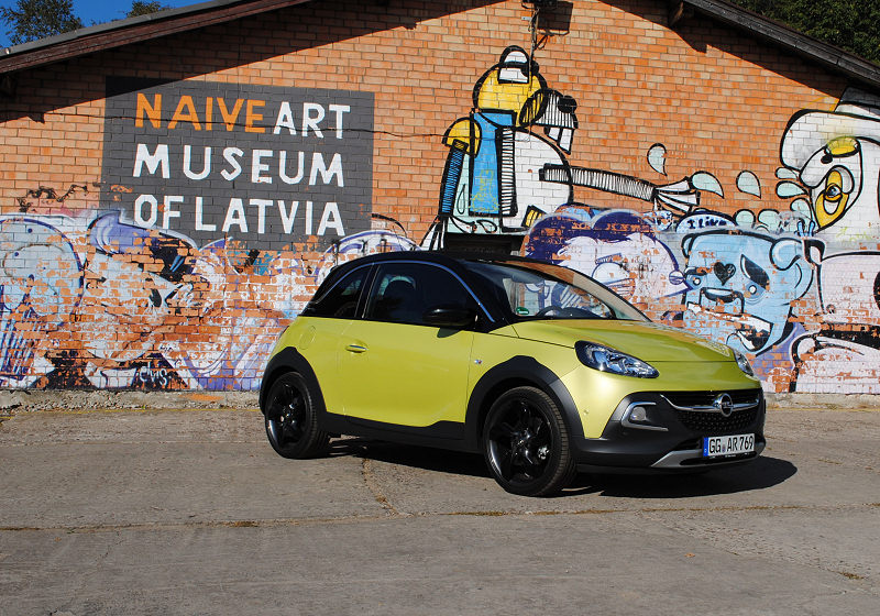 Opel Adam Rocks 01