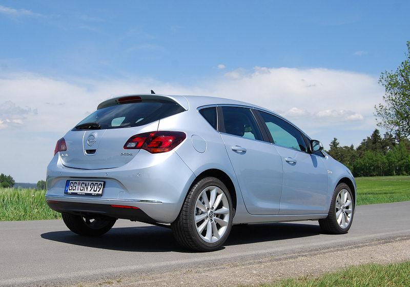 Opel Astra 1.6 CDTi 04