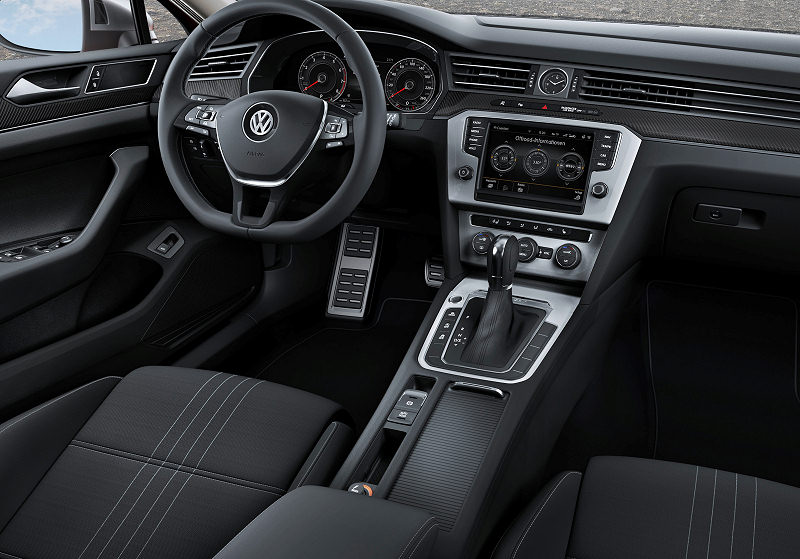 VW Passat Alltrack 02