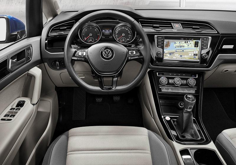 VW Touran 03