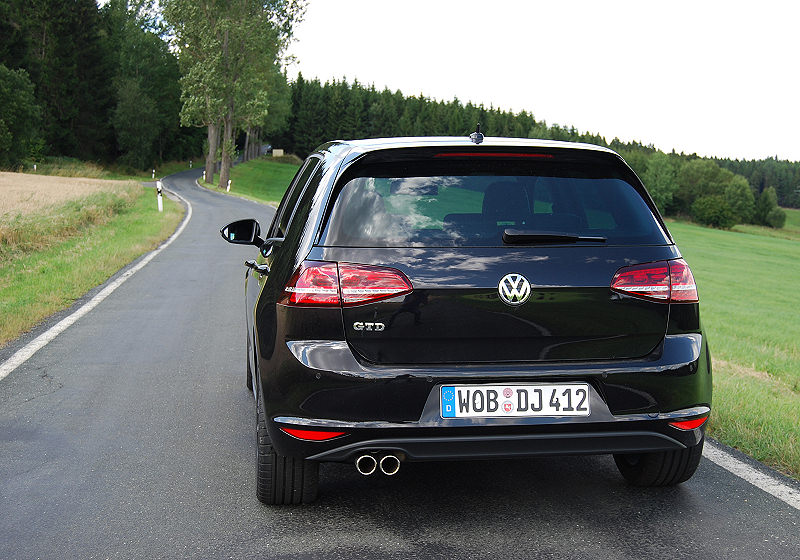 VW Golf GTD 01