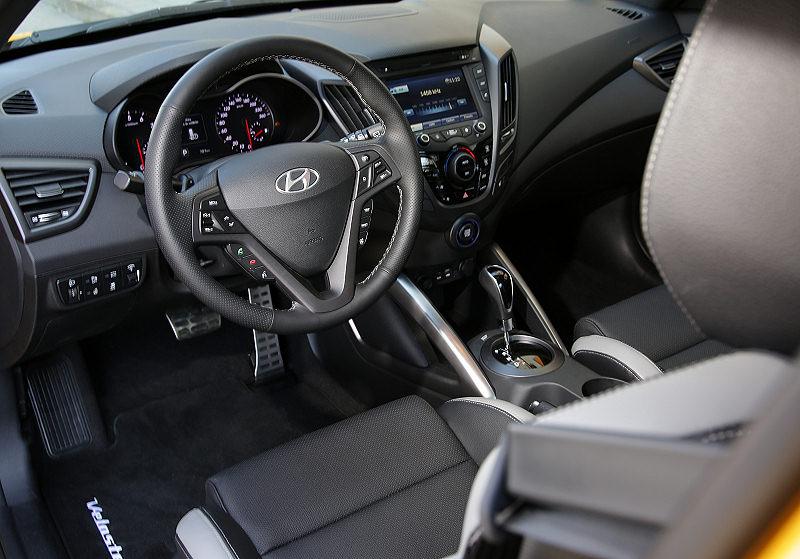 Hyundai Veloster Turbo 03