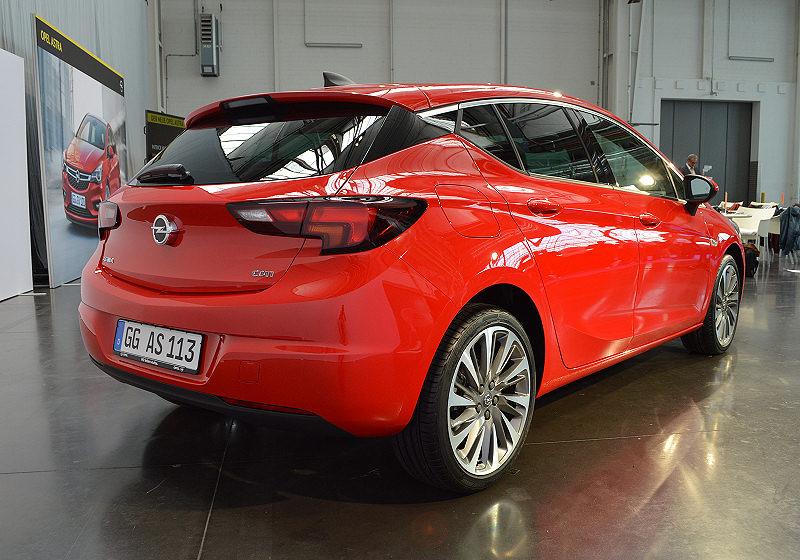 Opel Astra Sitz 06
