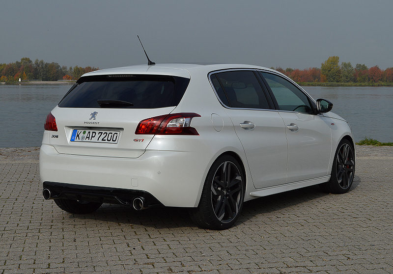 peugeot 308 gti by peugeot sport carwalk. Black Bedroom Furniture Sets. Home Design Ideas