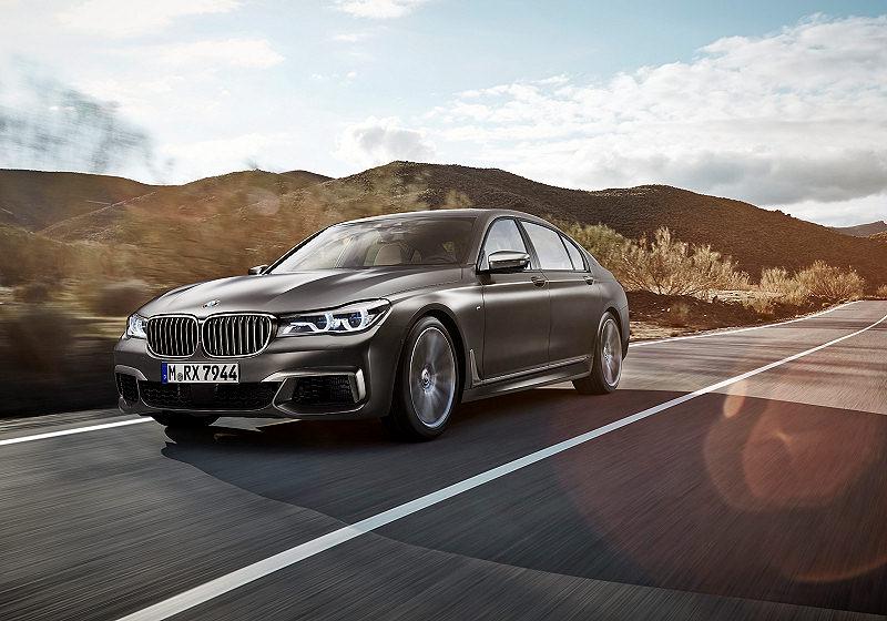 BMW M7 01