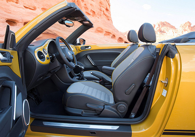 VW Beetle Dune Cabrio 03