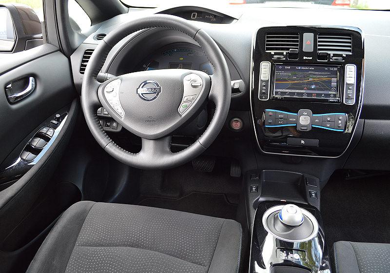 Nissan Leaf 03