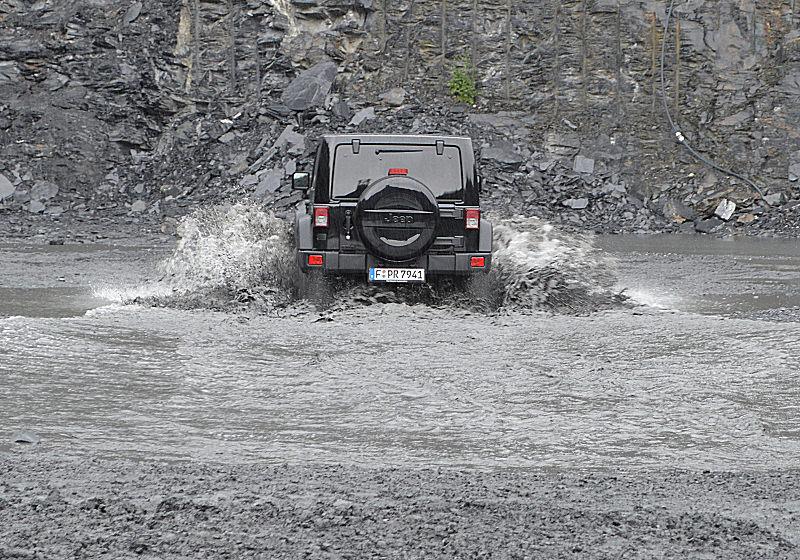 Jeep Wrangler 16 TW 02