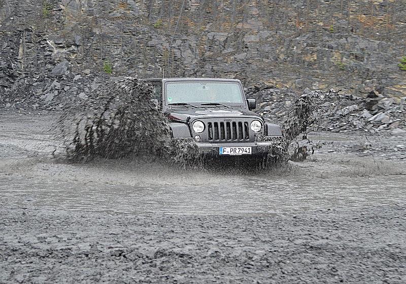 Jeep Wrangler 16 TW 15