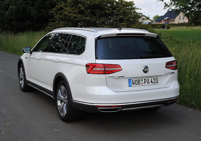 vw passat alltrack ganz sch n stylish carwalk. Black Bedroom Furniture Sets. Home Design Ideas