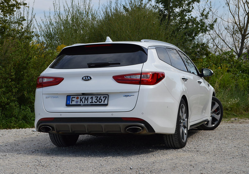 Kia Optima Sportswagon 06