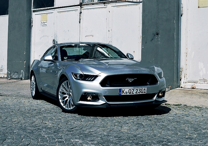 ford-mustang-gt-02