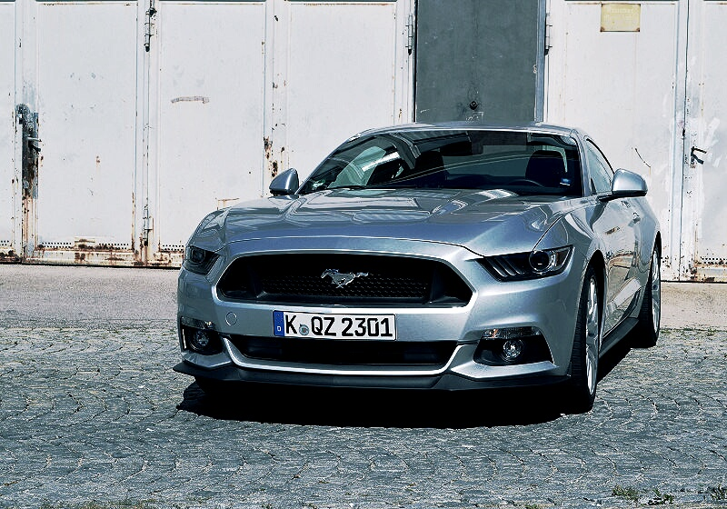 ford-mustang-gt-03