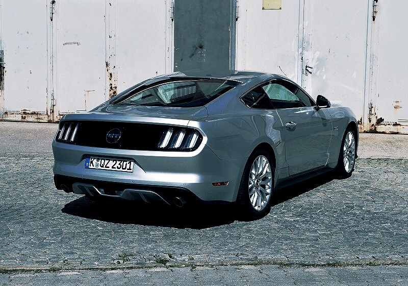 ford-mustang-gt-11