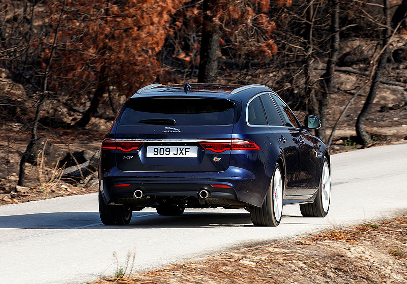 jaguar xf sportbrake carwalk. Black Bedroom Furniture Sets. Home Design Ideas