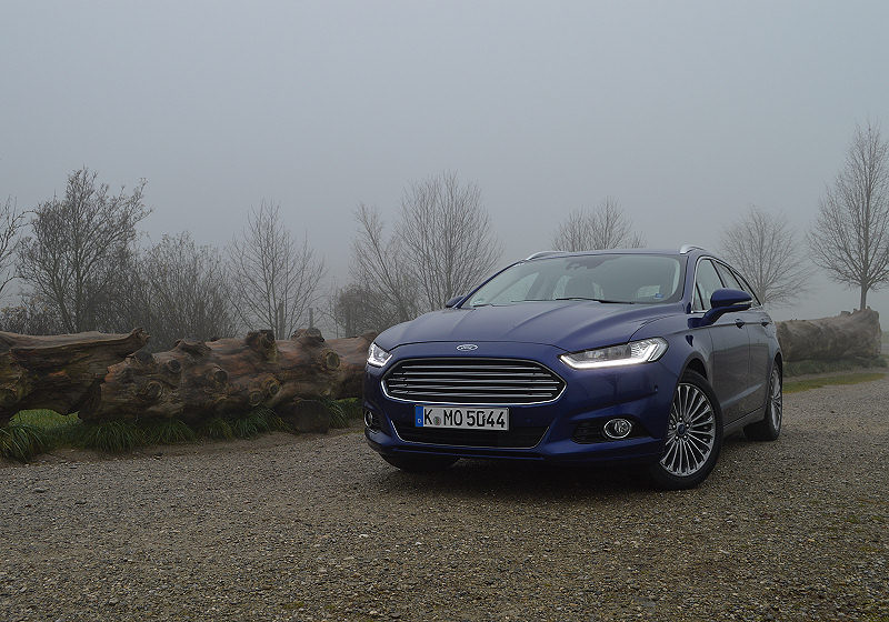 Ford Mondeo Turnier 01