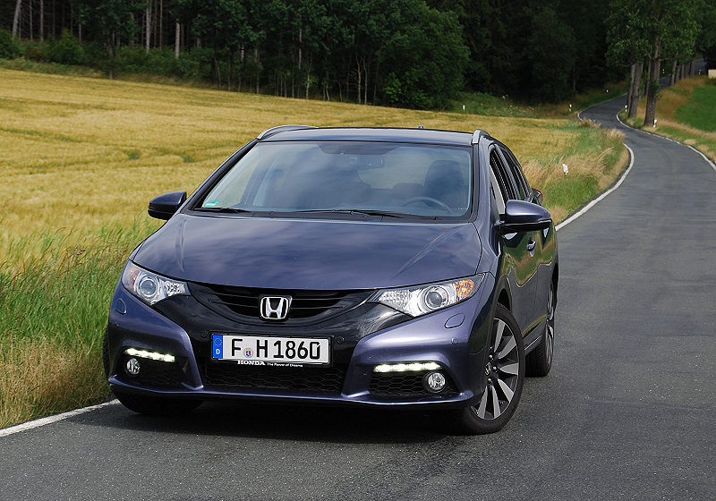 Honda_CivicTourer_05