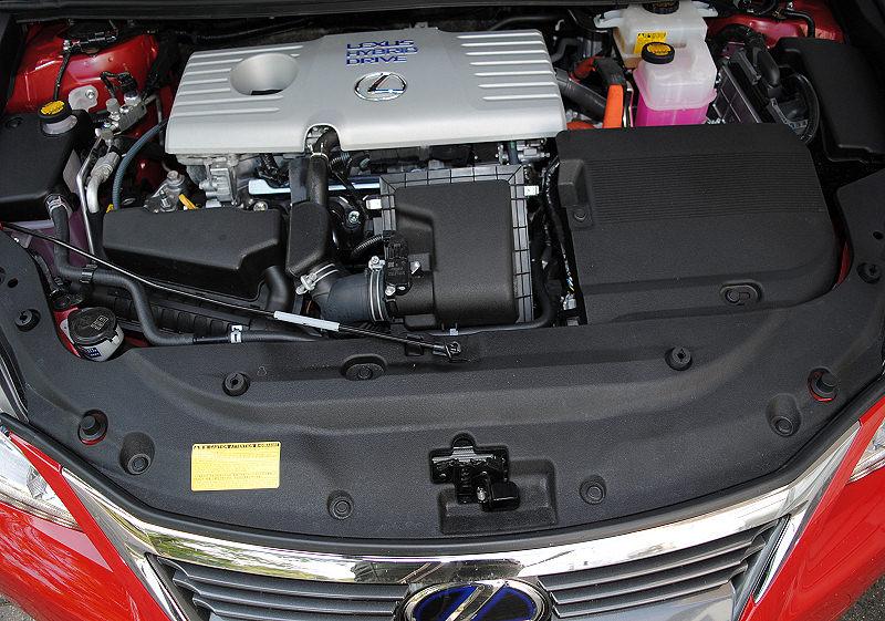 Lexus CT200h 05