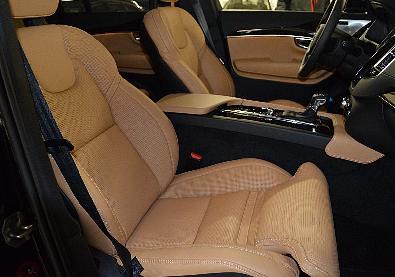 Volvo XC90 04