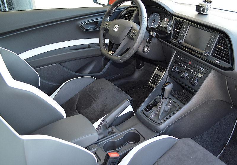 Seat Leon Cupra ST 03
