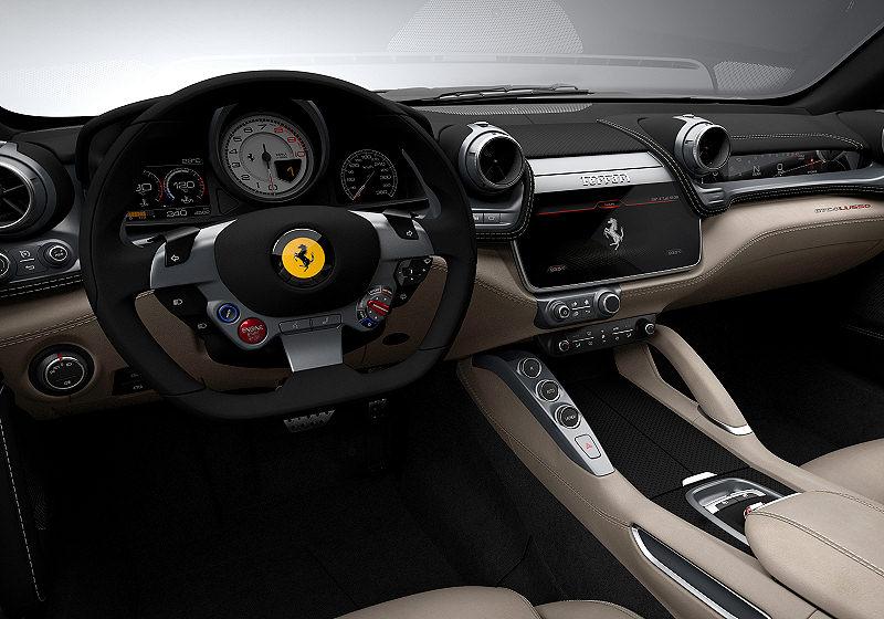 Ferrari GTC4Lusso 03