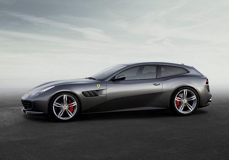 Ferrari GTC4Lusso 04
