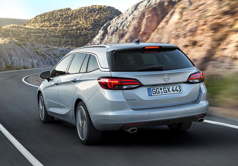 Opel Astra Sports Tourer 05