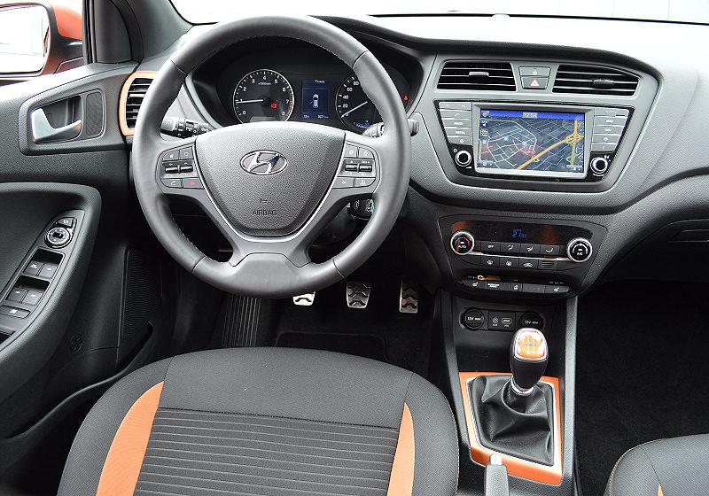 Hyundai i20 Active 03