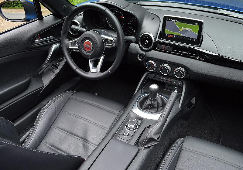 Fiat 124 Spider 03