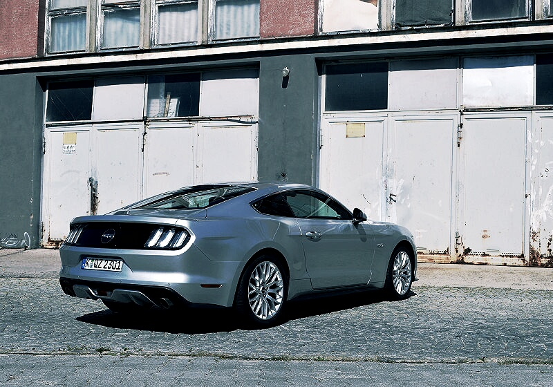 ford-mustang-gt-13