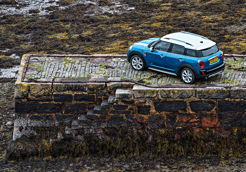 mini-countryman-02